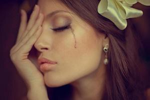 Ressentimento e remorso são emoções que geram sofrimento e ambiguidade, pois apesar da dor a pessoa pode apresentar um apego ao sofrimento.